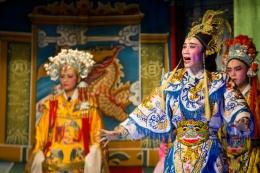 Ilustrasi Opera China (sumber: iexplore.com)