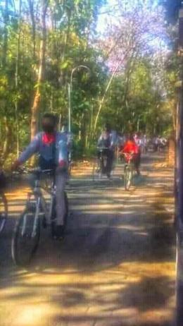 Gowes bareng keliling desa