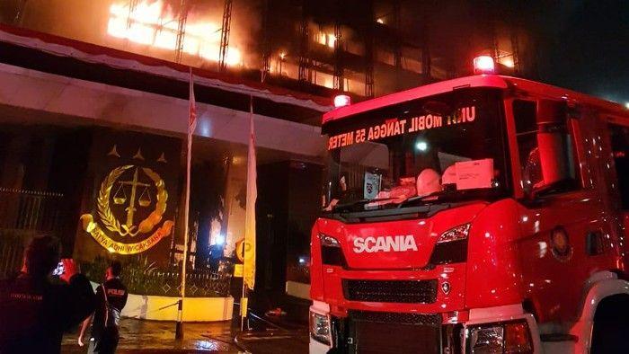 Kebakaran Gedung Kejaksaan Agung. Sumber: news.detik.com