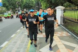 Bima Arya (Kanan) berlari bersama Sandiaga Uno | inilahonline.com