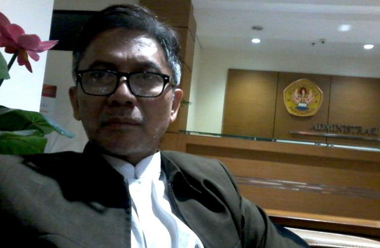by Dr. Firman Turmantara Endipradja, S.H., S.Sos., M.Hum