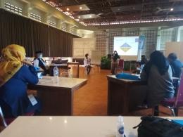 Suasana Workshop dengan melaksanakan Protokol Kesehatan (Dok.Pri)