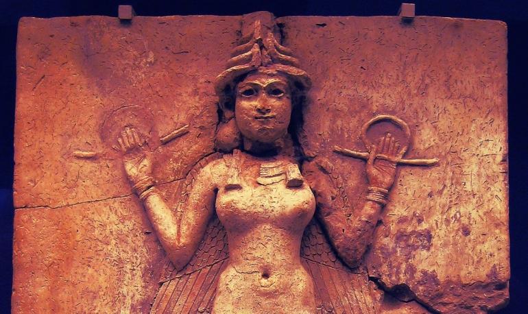 """(Relief """"Queen of the Night"""" dari Babilonia, dianggap sebagai penggambaran Lilith, merupakan koleksi British Museum di London. Sumber: wikipedia.org)"""