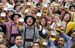 Oktoberfest - Munich. Sumber: AP/Matthias Schrader