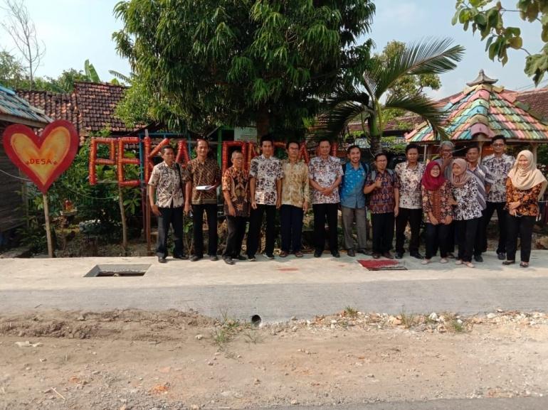 Ukhwaturro'y dan staffnya ( dokpri)