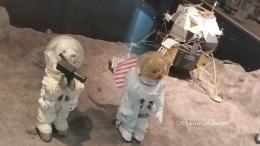 Pendaratan di bulan (foto: HennieTriana)
