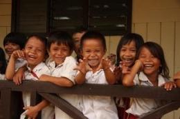 Ilustrasi bocah perindu sekolah - (M Latief/KOMPAS.com)