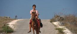 Skenario Marlina menunggangi kuda. Source: screenshot film