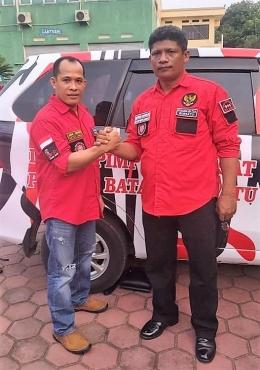 Ketua Umum Lambok F. Sihombing, S.Pd (kiri) dan Masrin Marbun. Foto (DPC Jakbar)