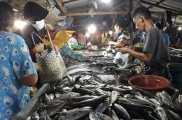 Ilustrasi ikan di pasar. (Foto: Sonora.ID/Dina)