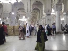 Teteh usai shalat di Masjidil Haram   dokpri