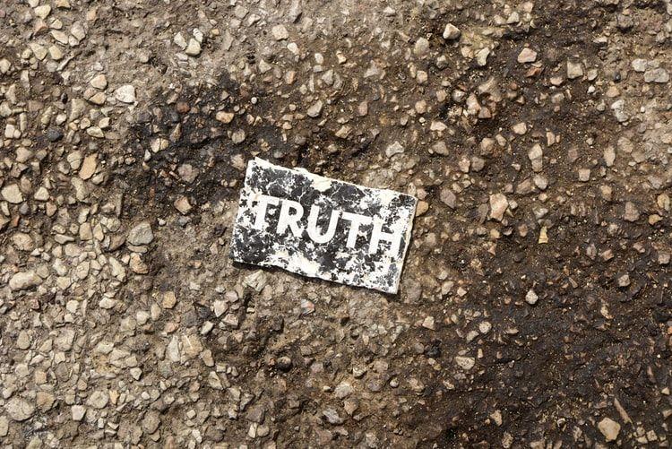 Ilustrasi tentang kebenaran (Michael Carruth from unplash.com)