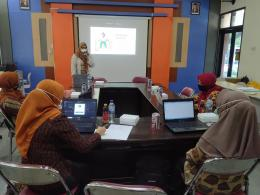 Pelatihan Media Pembelajaran di SMKN 1 Nglegok Blitar (dok. pribadi)