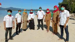Foto : Nusantara Sehat individu dan staf puskesmas Patlean kab. Halmahera Timur prov. Maluku Utara (dokpri).
