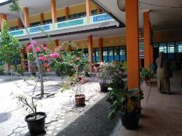 Penghijauan di sekolah (foto dok pri).