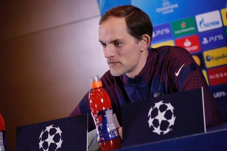 Thomas Tuchel Yang Merupakan Pelatih Paris Saint Germain Setelah Konferensi Pers . Sumber : Twitter @PSG_English