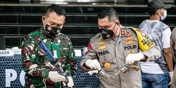 Rilis penembakan saat penyelidikan kasus Rizieq Shihab. 2020 Liputan6.com/Faizal Fanani
