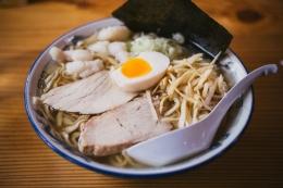 Ilustrasi menu ayam dan telur. Duh, enak ya! Gambar: Pexels/Quang Anh H Nguyen