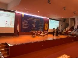 Penyampaian presentasi (dokumen pribadi)