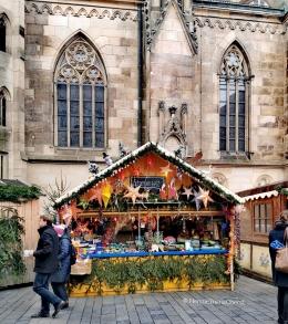 Satu gerai di pasar Natal Jerman - foto: HennieTriana
