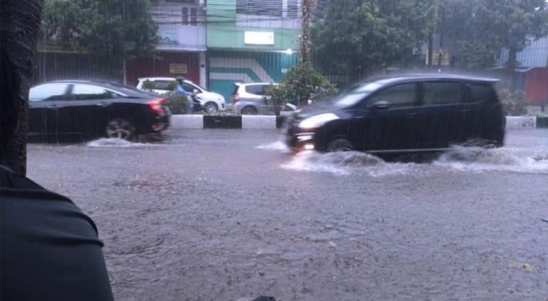 Banjir di Kawasan Kajoe Tangan (Foto: Times Indonesia)
