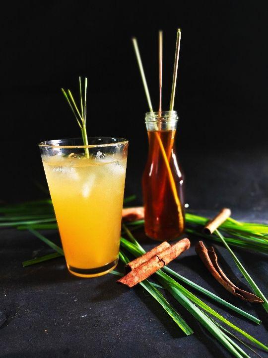 Wedang sereh + Sirup Apel = nikmat, segar & sehat (Foto by Ulil)