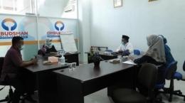 Pertemuan antara Ombudsman Sumbar dengan Kepala SMKN 2 Padang untuk mengkonfirmasi kasus penerapan peraturan jilbab bagi siswi non-muslim (suarasumbar.id/ dok: klikpositif.com).