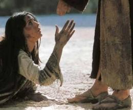 Seorang Perempuan yang memohon Belas Kasihan. Sumber Gema Pasionis
