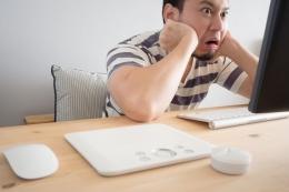 Orang yang Stres Karena Kerjaan. Sumber Shutterstock