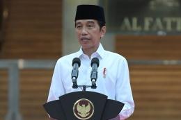 Presiden Joko Widodo meresmikan renovasi Masjid Istiqlal, Jakarta, Kamis (7/1/2021). Renovasi ini merupakan yang pertama sejak 42 tahun lalu, dengan menghabiskan waktu 14 bulan untuk merampungkan proses renovasi.(BIRO PERS SETPRES / KRISHADIYANT) [Melalui Kompas.com)