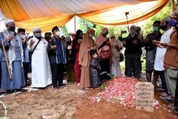 KH. Yusuf Mansur doakan Ustadz Maaher/dokpri