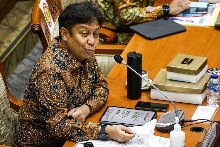 Menteri Kesehatan Budi Gunadi Sadikin memberikan paparan saat menghadiri rapat kerja bersama Komisi IX DPR di Kompleks Parlemen, Senayan, Jakarta, Rabu (13/1/2021). Rapat tersebut membahas ketersediaan vaksin dan pelaksanaan vaksinasi COVID-19. ANTARA FOTO/Rivan Awal Lingga/aww.(ANTARA FOTO/Rivan Awal Lingga via KOMPAS.com)