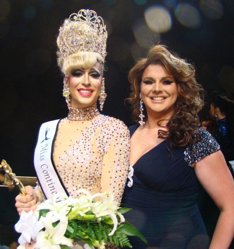 Brooke Lynn Hytes sebagai Pemenang Miss Continental 2014 (Sumber: Miss Continental, 2014).