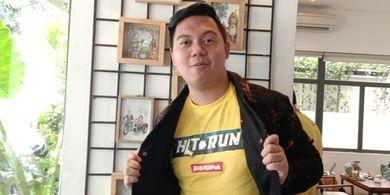 Chandra Liow menghadiri peluncuran poster film Hit & Run di SRSLY Coffe di Cipete Raya, Jakarta Selatan, Jumat (5/4/2019).