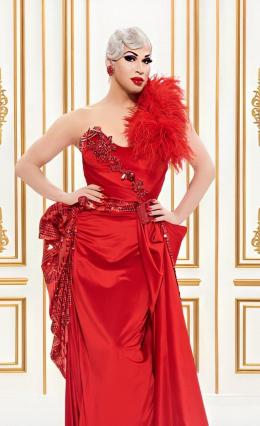 Gambar 1. Brooke Lynn Hytes menjadi Dewan Juri Canada's Drag Race Season 1 (2020).