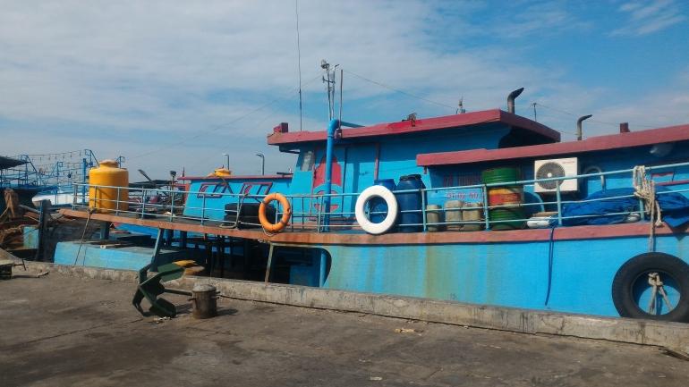 Ilustrasi kapal nelayan yang sedang berlabuh(sumber : dok pribadi)