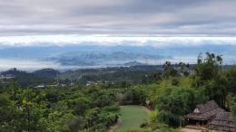 Pemandangan di pagi hari yang cerah (Foto : koleksi pribadi)