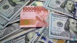 (Foto: Ilustrasi Rupiah dan dolar (CNBC Indonesia/Andrean Kristianto)
