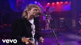 Nirvana membawakan tembang ini dalam konser (sumber gambar: NirvanaVevo)