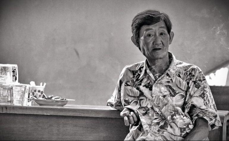 Ilustrasi humaniora Si Uzur, Orang-orang Tua di Etalase Masa Depan. (Effendy Wongso)   dok. pribadi