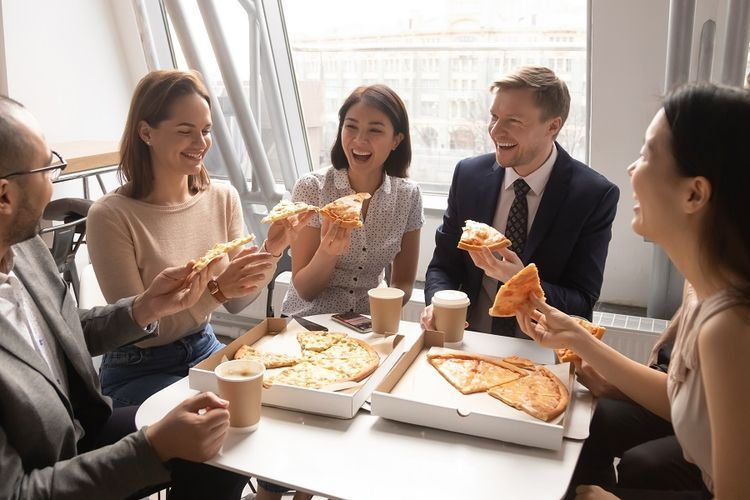 Jangan Sampai Keblondrok Rating Ketika Beli Makanan Online - Sumber: lifestyle.kompas.com