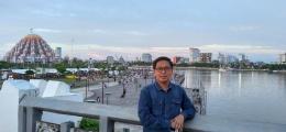 Suasana senja di kota Makassar