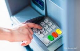 Ilustrasi pembobolan mesin ATM  Sumber: Shutterstock via https://keuangan.kontan.co.id/