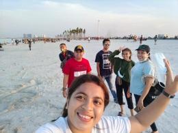 Keindahan Pantai Pasir Putih PIK2. Foto oleh Marsela Binsasi
