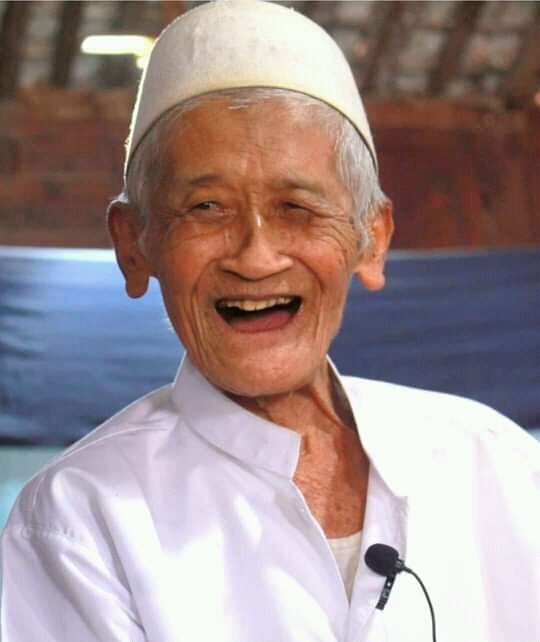 Mbah Kiai Roesmani, kiai sepuh asal Wonogiri yang merupakan murid dari KH Hasyim Asy'ari (tebuireng.online)