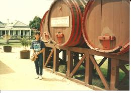 Dokumenatsi pribadi/Drum2 berisi anggur wine Australia, sebelum diolah untuk masuk ke botol2 dan dijual ke konsumen