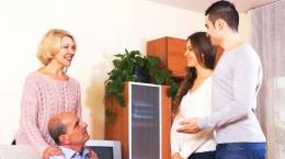 Ilustrasi pertemuan dengan calon mertua pertama kalinya (sumber: tribunstyle.com)