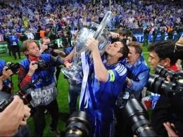 Chelsea meraih piala Liga Champions perdana di musim 2011/12-Sumber: goal.com