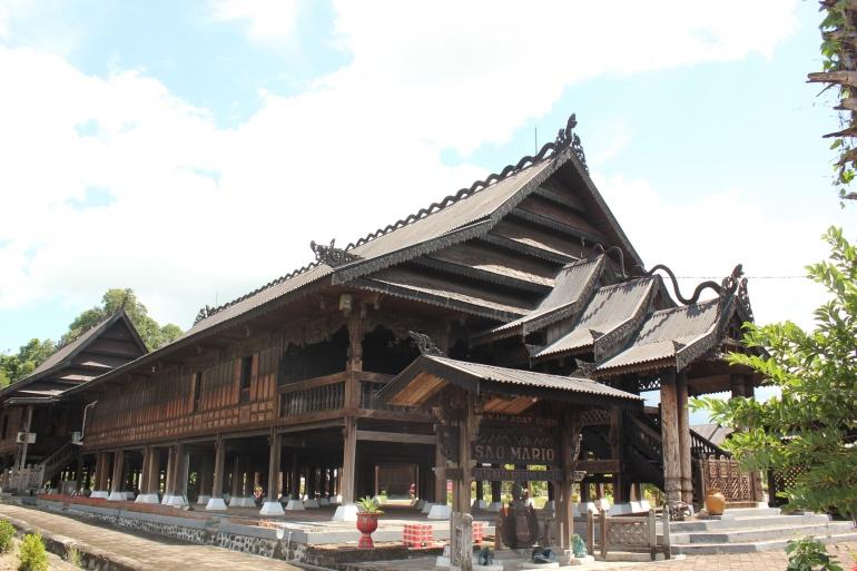 Berburu naskah hingga ke Rumah Adat Sao Mario Kabupaten Soppeng, Sulsel (Foto: Dokpri)