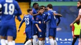 Pemain Chelsea merayakan gol ke gawang Sheffield United. (via firstsportz.com)